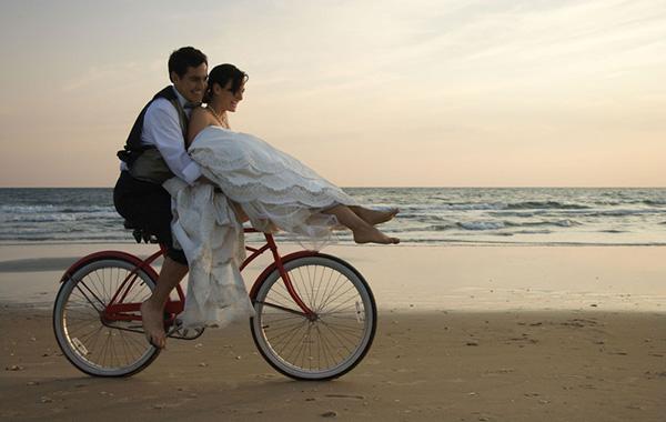 自転車の2人